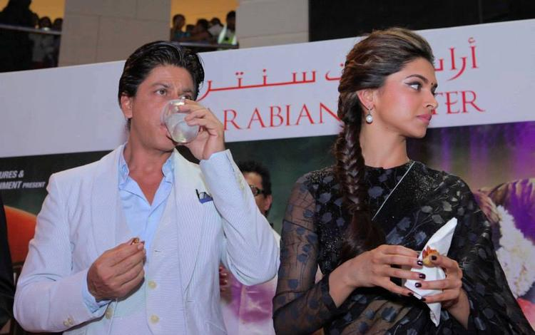 SRK And Deepika Nice Look During The Promotion Of Chennai Express At Dubai