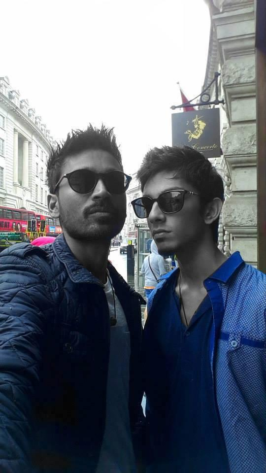 Dhanush Pose With His Best Friend In London During His 30th Birthday