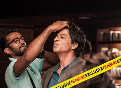 SRK Cool Funny Pose On The Sets Of Filmfare Magazine August 2013 Issue Photo Shoot