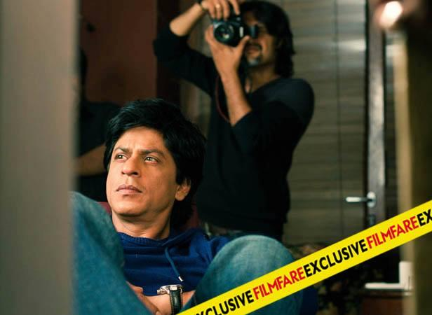 SRK Dazzling Face Look On The Sets Of Filmfare Magazine August 2013 Issue Photo Shoot