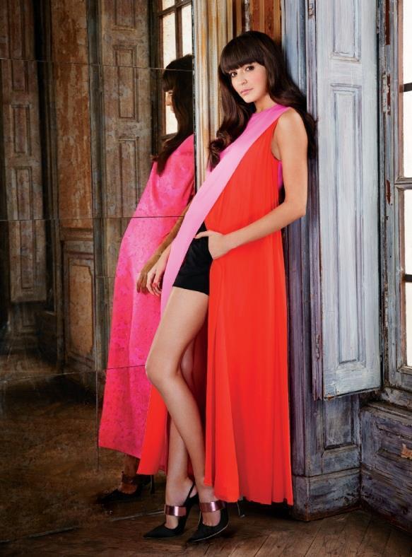 Anushka Sharma Latest Hot Still For Elle Magazine 2013