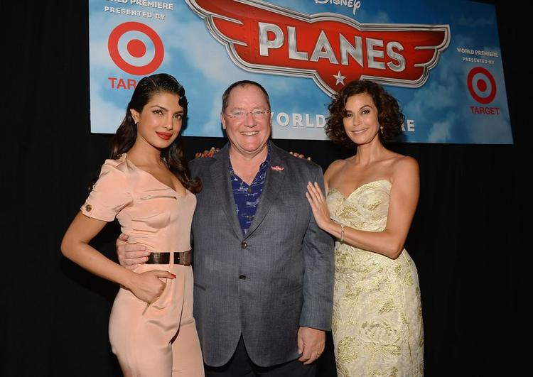 Priyanka,John Lasseter And Teri Hatcher Posed At The Premiere Of Disney's Planes
