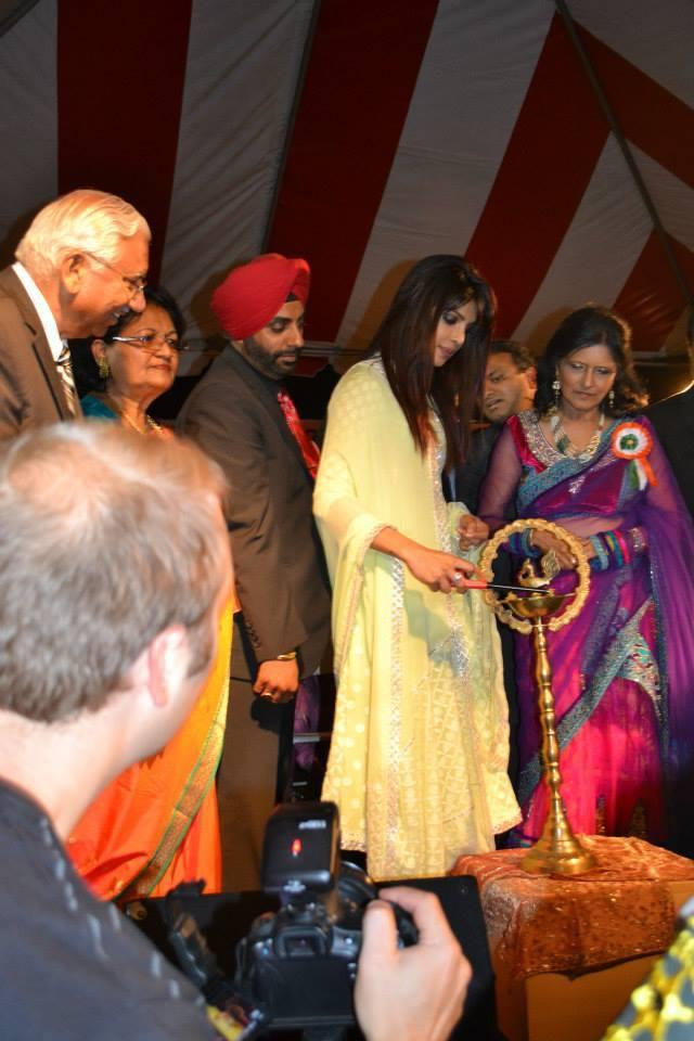 Priyanka Chopra Inaugurates At The India Day Parade 2013 In LA
