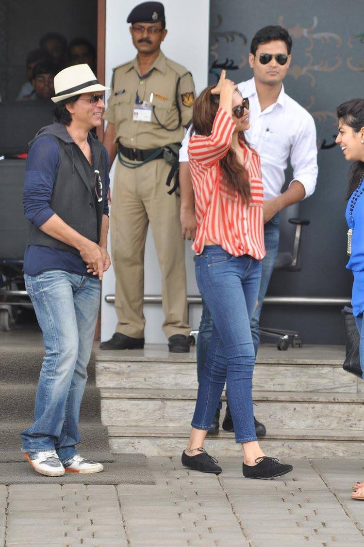 SRK And Deepika Glamour Look Still