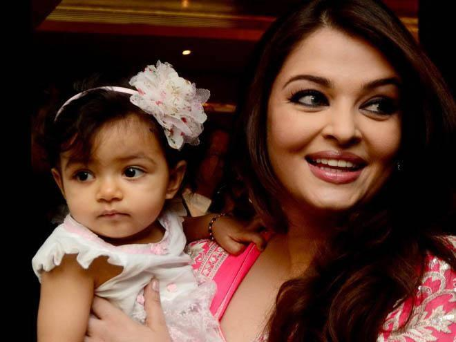 Aaradhya And Aishwarya Cool Pic At Mommy Aish Event