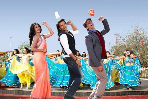 Hrithik And Priyanka Cute Dance Still In Upcoming Bollywood Movie Krrish 3