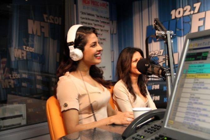 Priyanka Chopra Smiling Look In 1027kiis FM At LA