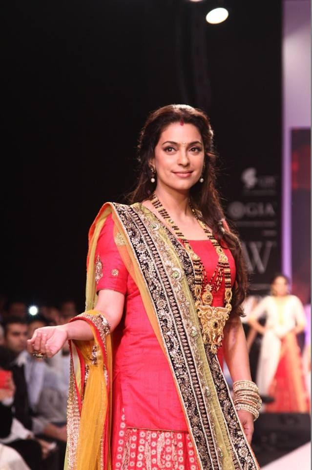 Juhi Chawla Looking Gorgeous In Shringar Jewels  At IIJW 2013