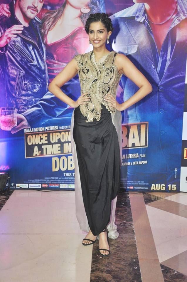 Sonam Kapoor In Anamika Khanna Look Sexy Sizzling Pic At Ekta Kapoor's Party