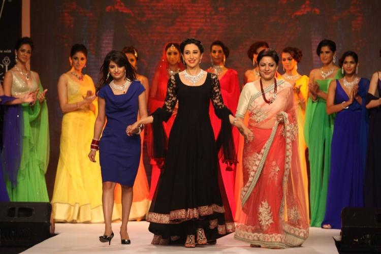 Gorgeous Karisma Walks The Ramp For Kays Jewels On Day 4 Of IIJW 2013