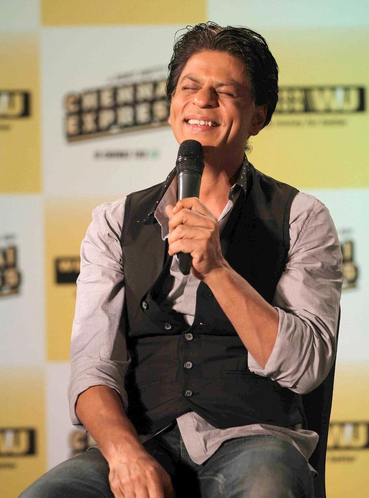 SRK Cool Smiling Look At Chennai Express Promotion In Association With Western Union