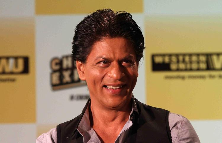 SRK Cute Dimple Show Smiling Look During The Promotion Of Chennai Express In Association With Western Union