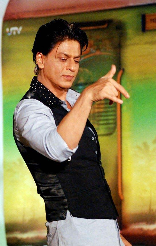 SRK Strikes A Pose At Chennai Express Promotion In Association With Western Union