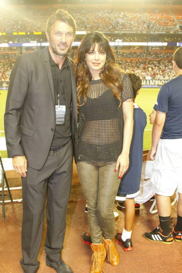 Priyanka Chopra Cool Posed At Real Madrid Vs Chelsea Match, International Champions Cup 2013