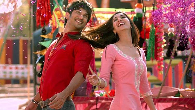 Sushant And Vaani Cool Smiling Look From Shuddh Desi Romance Movie