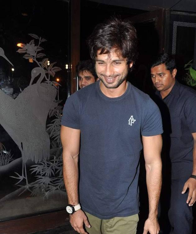 Shahid Kapoor Cool Smiling Look At Phata Poster Nikla Hero Completion Bash