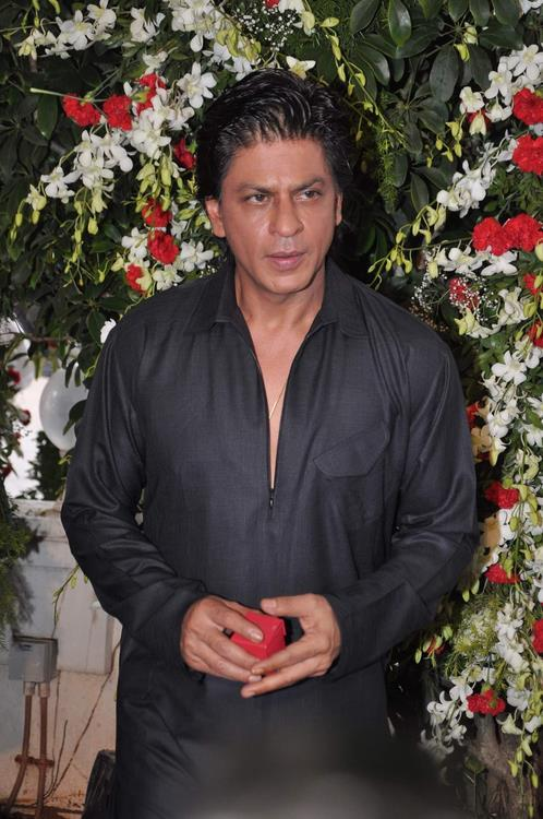 SRK During The Celebration Of Eid At His Bungalow Mannat