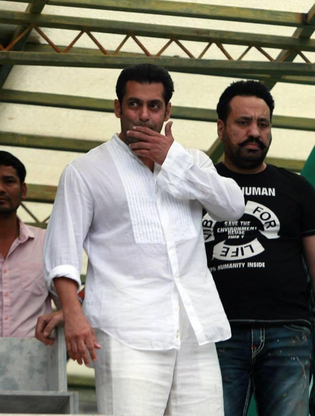 Salman Khan Nice Look During Eid Celebrations