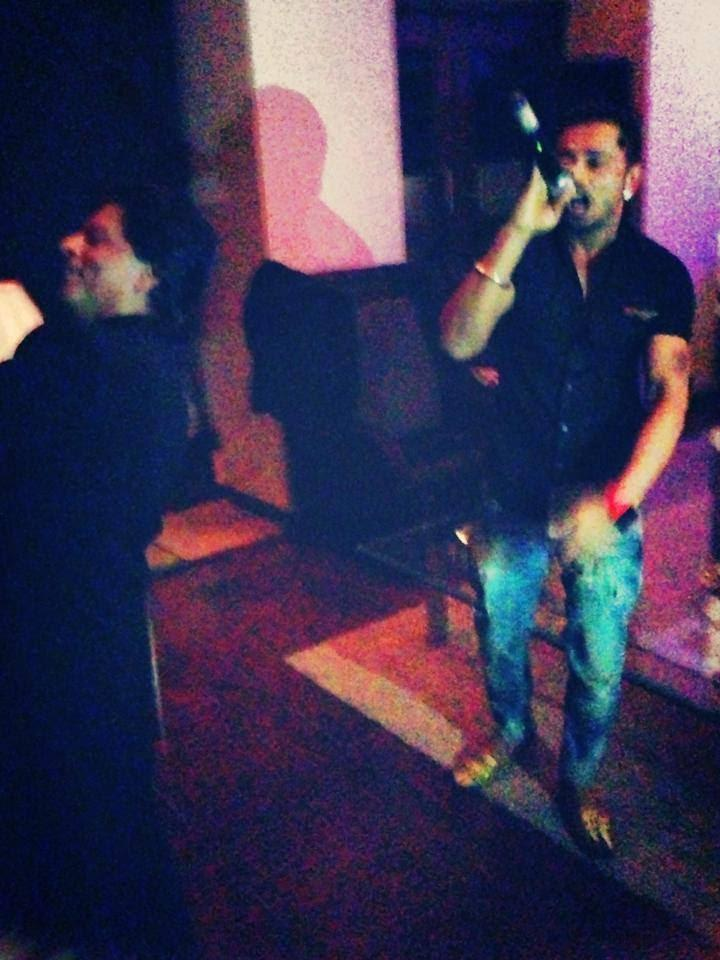 Shahrukh Khan Dance Still At Eid Party In His Mannat Residence