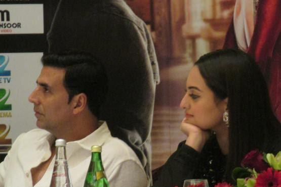 Akshay And Sonakshi Pic During The Press Conference Of OUATIMD In Dubai At Oberoi Hotel