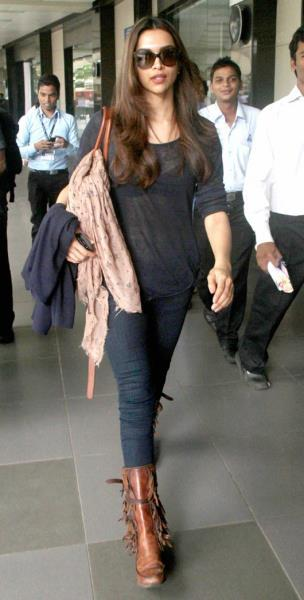 Deepika Padukone Who Gave SRK's Eid Party A Miss Was Spotted At Mumbai International Airport