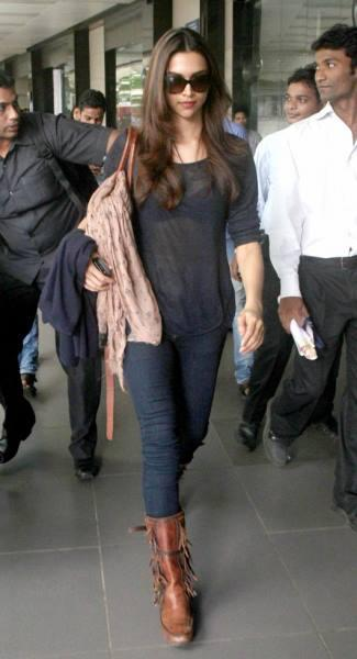 Leggy-Lass Deepika Padukone Who Gave SRK's Eid Party A Miss Was Spotted At Mumbai International Airport This Evening