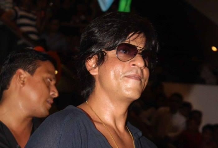 SRK Cool Stunning Look During The Success Of Chennai Express