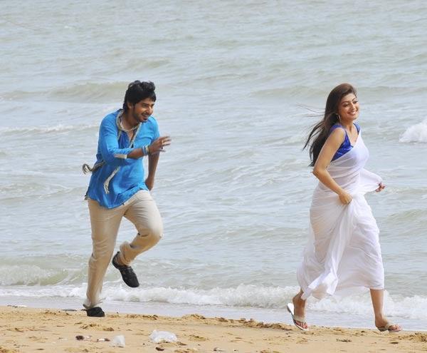 Angaraka Kannada Movie Prajwal Devaraj And Pranitha Still