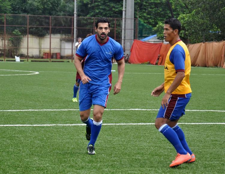 John Abraham Played The Football Match At This Time