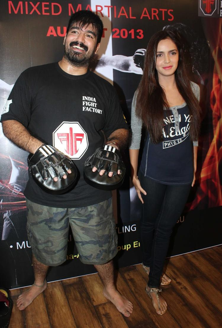 Shazahn Padamsee Caught In Camera During The Launch Of Gold Gym's Mixed Martial Arts Event