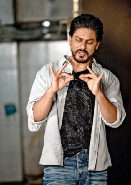 SRK Cool Look On The Sets Of A Promotional Photo Shoot For Chennai Express