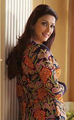 Sonali Bendre Trendy Look Photo Still