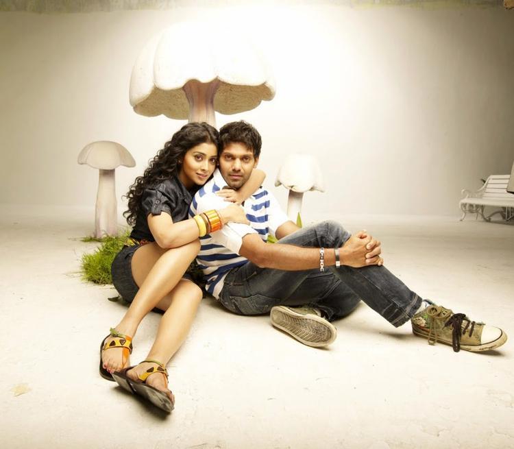Arya And Shriya Saran Hot Photo Shoot For Upcoming Movie Love To Love