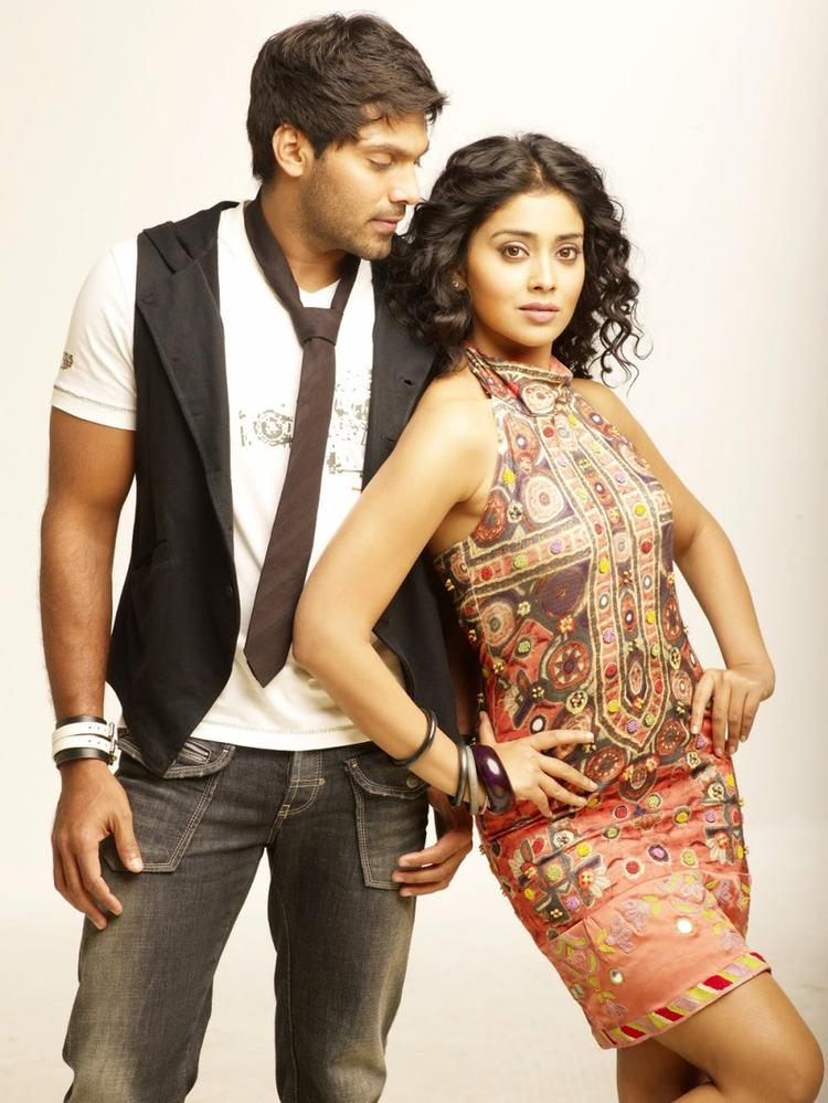 Arya And Shriya Saran Hottest Pic In New Movie Love To Love