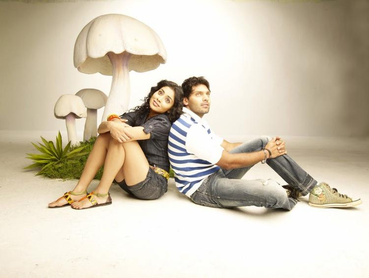 Shriya And Arya Cool Still From The Movie Love To Love