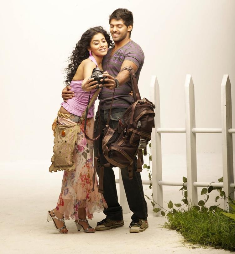 Shriya And Arya Cute Pose Photo Shoot In Movie Love To Love