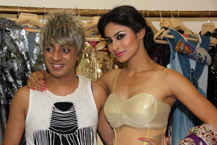 Designer Rohit And Mouni Cool Posed At Rohit Verma's Bridal Fashion Collection 2013