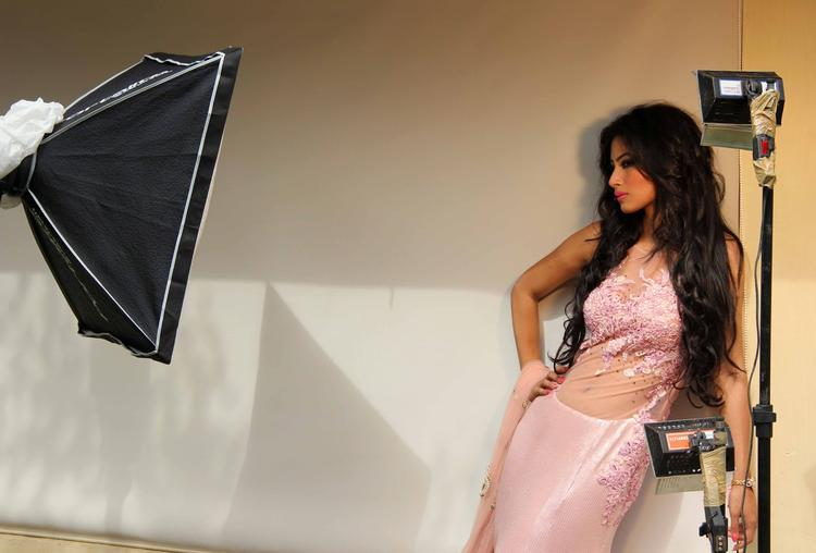 Mouni Roy Posed For Camera At Rohit Verma's Bridal Fashion Collection 2013