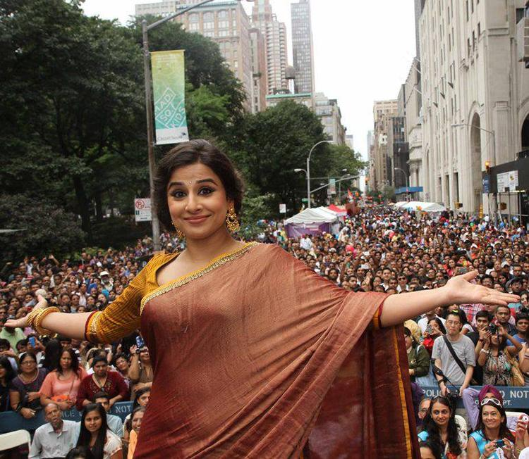 Vidya Balan Cool Look At Independence Day Parade In New York