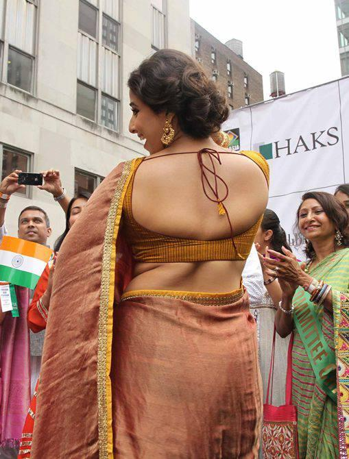 Vidya Balan Hot Bare Back Show Sexy Look At Independence Day Parade In New York