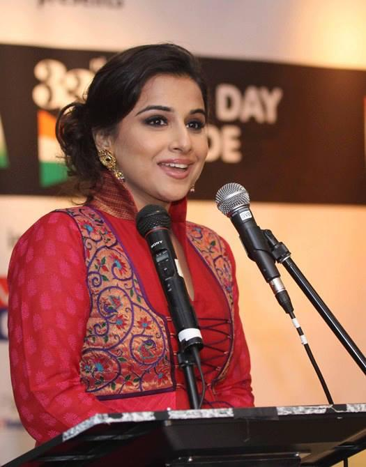 Vidya Balan Stunning Look At Independence Day Parade In New York
