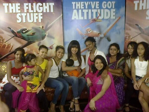 Priyanka Chopra Posed With Fans During The Promotion Of Disney's Planes In Mumbai
