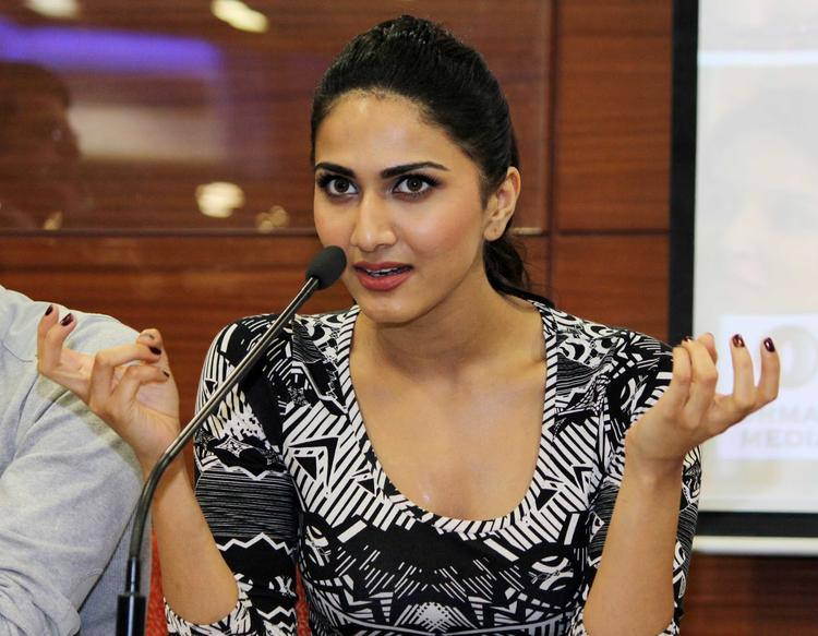 Vaani Kapoor Gorgeous Look During The Promotion Of Shuddh Desi Romance At A College