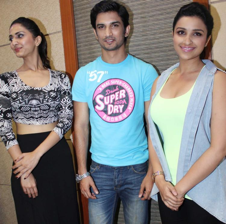 Vaani,Sushant And Parineeti Grced During The Promotion Of Shuddh Desi Romance At A College