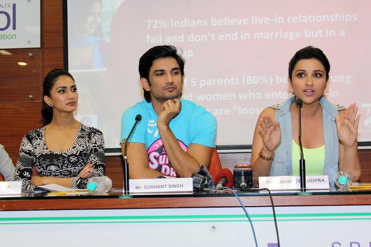 Vaani,Sushant And Parineeti Promote Their Upcoming Flick Shuddh Desi Romance At A College
