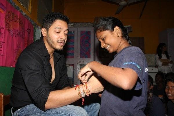 Shreyas Talpade Tied Rakhi During The Raksha Bandhan At The Akanksha Foundation