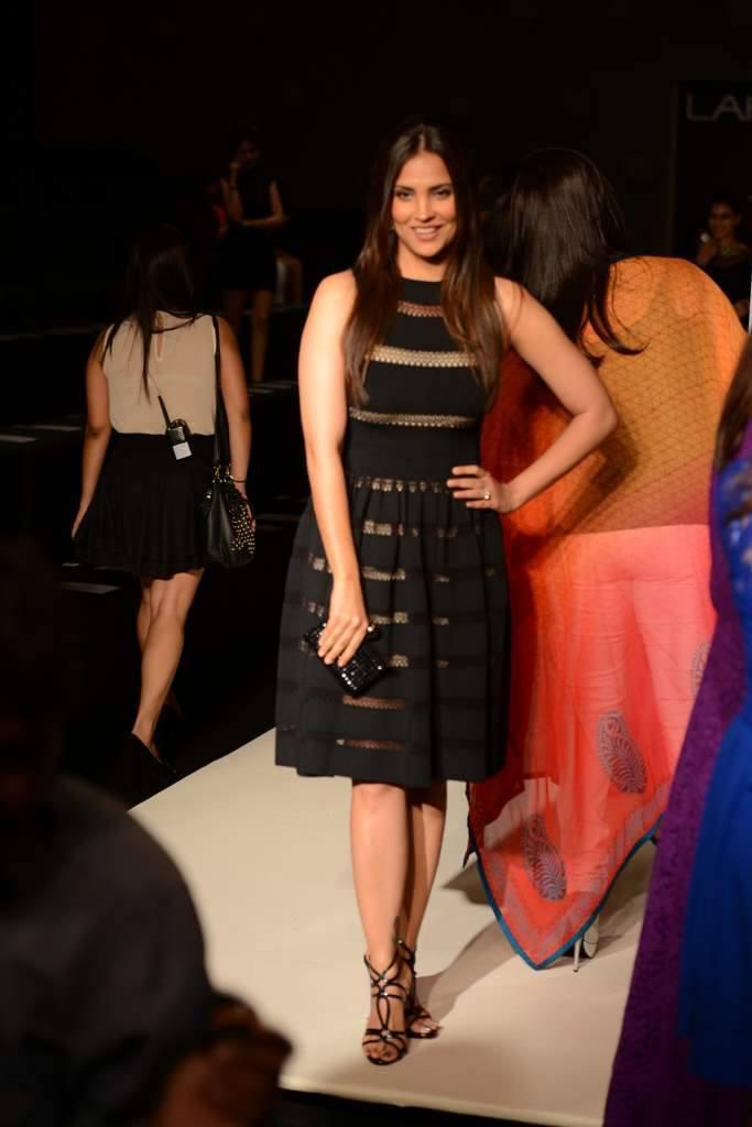 Lovely Girl Lara Dutta Cute Look During Fashion Designer Manish Malhotra`s Show LFW WF 2013