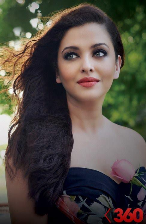 Aishwarya Stunning Elegant Look For The Park By Lodha