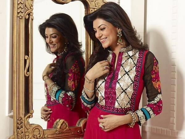 Smiling Sushmita Sen In Designer Salwar Kameez Glamour Look Photo Shoot Still