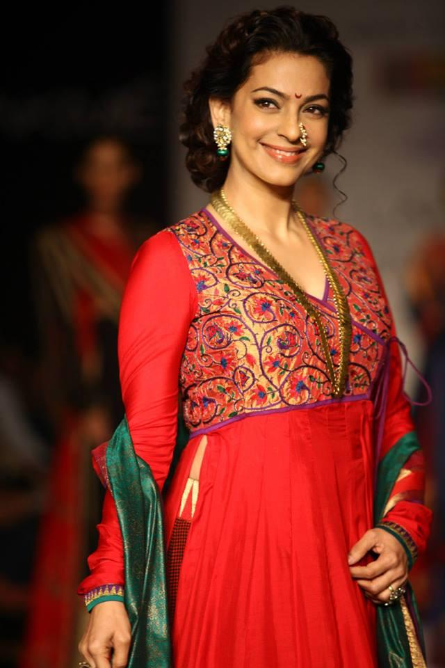 Juhi Chawla Flaunted The Marathi Mulgi Look At LFW Winter-Festive 2013